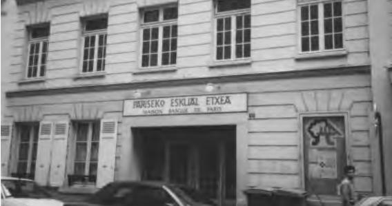euskal herria lehen pays basque d 39 antan la maison basque de paris pariseko eskual etxea. Black Bedroom Furniture Sets. Home Design Ideas