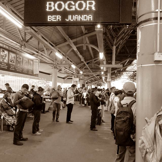 Cara Menuju Cibinong Dari Tangerang Dengan Commuter Line