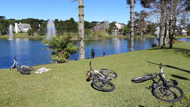 Programa especial no condomínio do Laje de Pedra: passear de bicicleta
