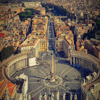Vaticano, Curia Romana. Papa Francesco stila catalogo delle possibili criticità.