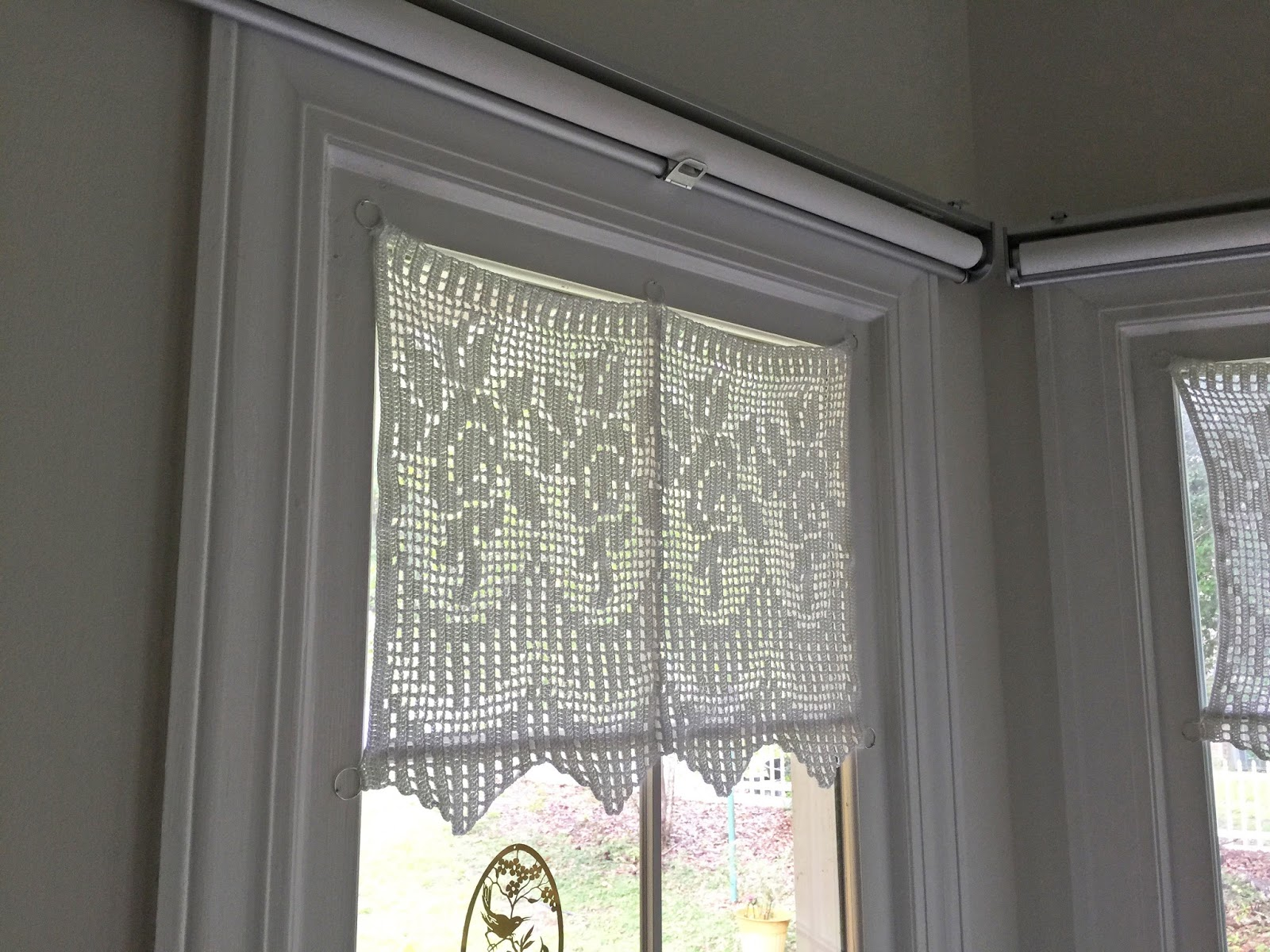 Mariette S Back To Basics Kitchen Bay Window New Crocheted Rose Curtains Ikea Roller Blind