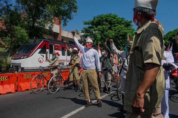Memperingati Kemerdekaan dari Jalanan