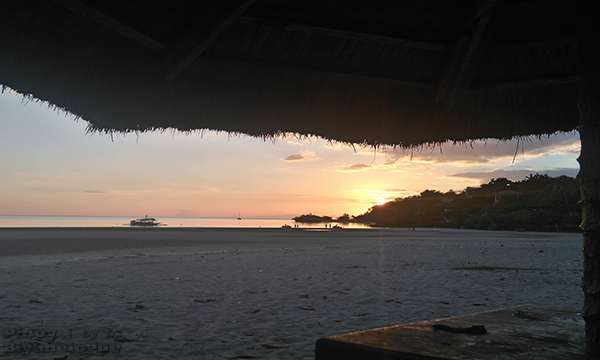 Sun sets at Santiago White Beach
