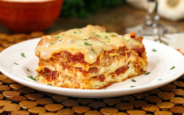 Quick and Easy Cheesy Meat Lasagna