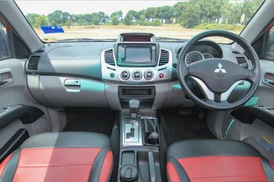 Interior Mitsubishi Strada Triton Facelift