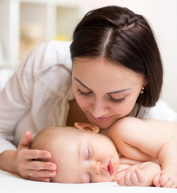 الطرق الفعالة لبرمجة الطفل للإيجابيات أثناء نومه