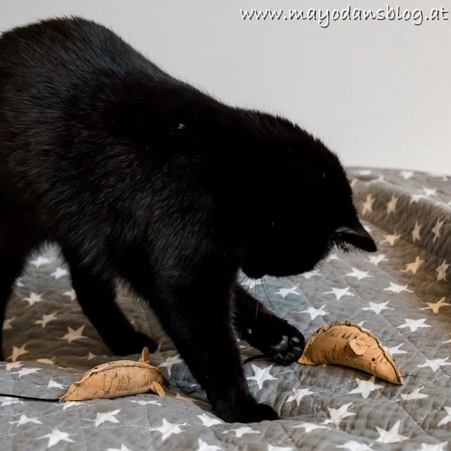 selbstgemachte Spielmäuse für Katzen