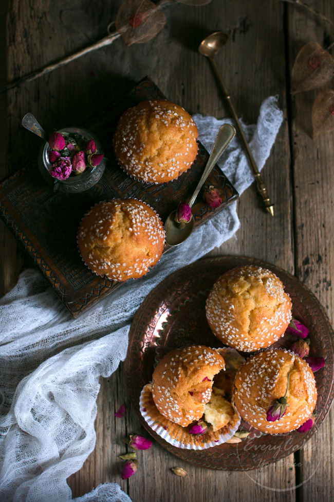 puszyste perskie muffinki kardamonowo-różane