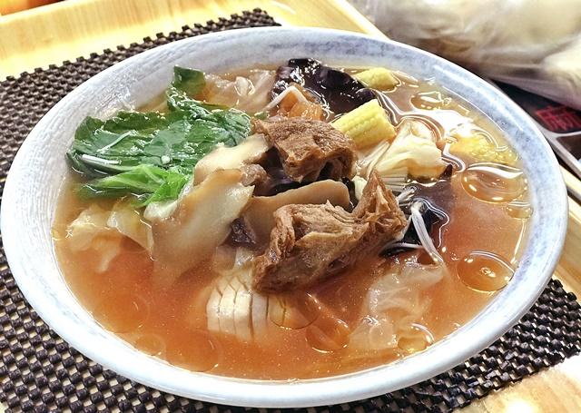 尚品蔬食舫~淡水老街素食、淡水中正美食廣場素食