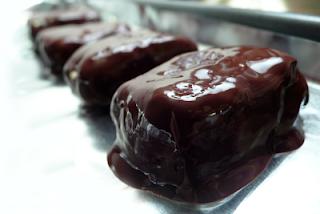 Χειροποίητες σοκολατένιες πρωτεϊνικές μπάρες