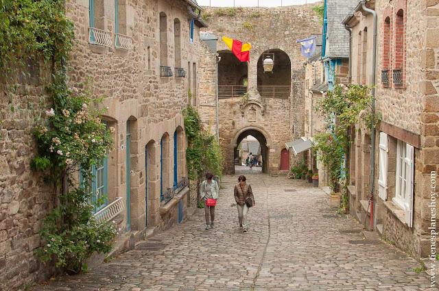 Viaje Dinan rue Jerzual viaje Bretaña Francia