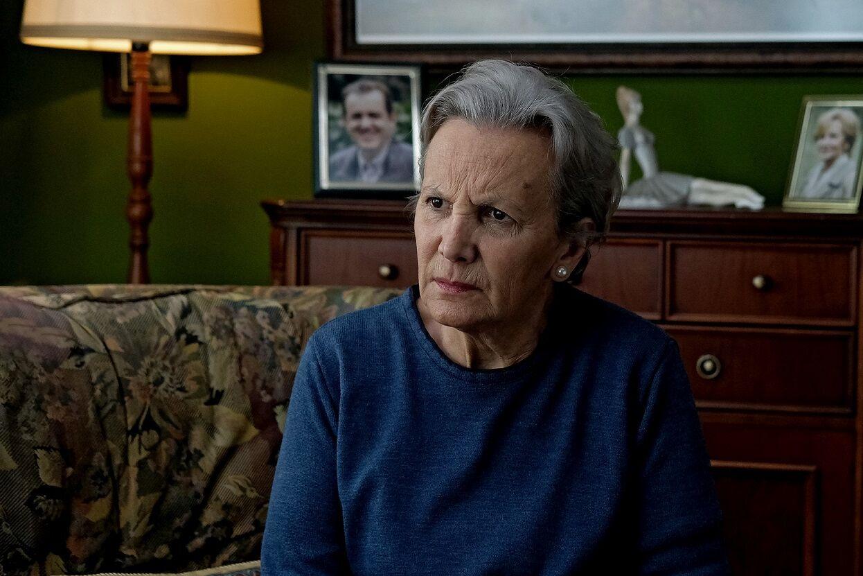 Elena Irureta en una escena de 'Patria', serie de HBO España