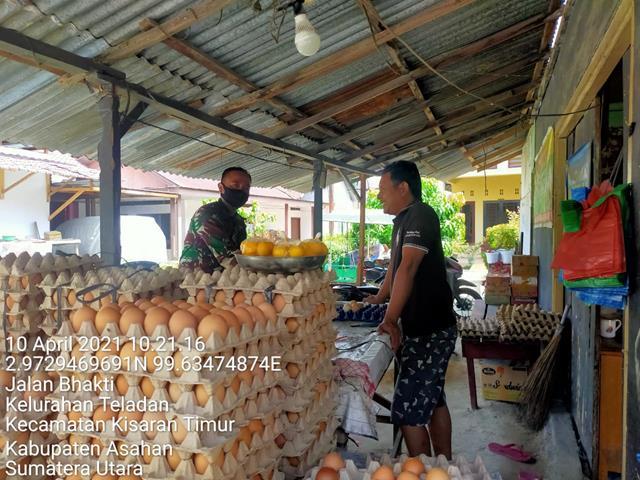 Dengan Cara Komunikasi Sosial Personel Jajaran Kodim 0208/Asahan Jalin Silaturahmi Dengan Pedagang