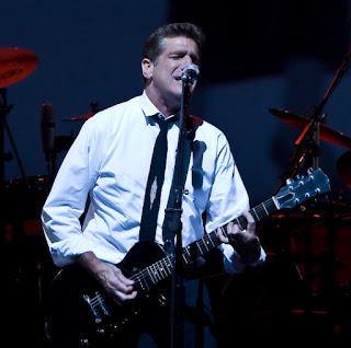 Fotografía de Glenn Frey en concierto