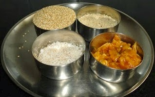 ingredients to make tilachi ladoo