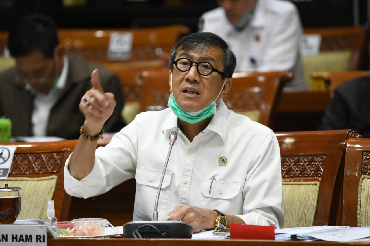 Terbitkan Aturan Baru, Menkumham Yasonna: Kini TKA Tak Akan Bisa Lagi Masuk Indonesia