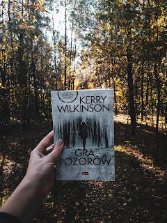 Recenzja książki Gra pozorów Kerry Wilkinson recenzowane.pl