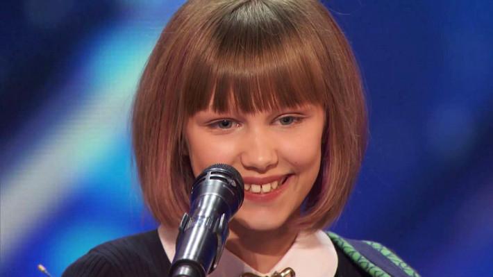 Grace VanderWaal surpreende público e jurados no America's Got Talent