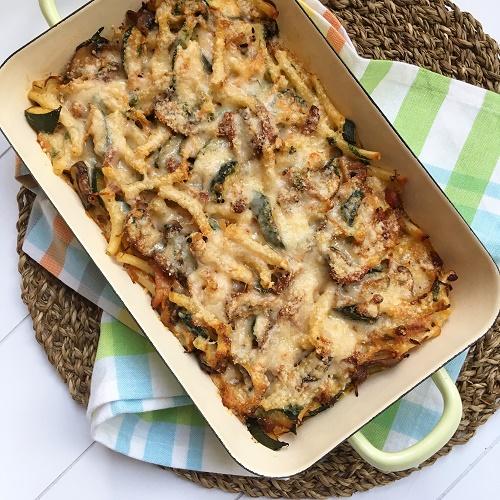 Gemüse-Nudelauflauf mit Parmesanguß & Kruste