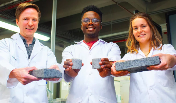 SOUTH AFRICA: Students produce urine-based bricks