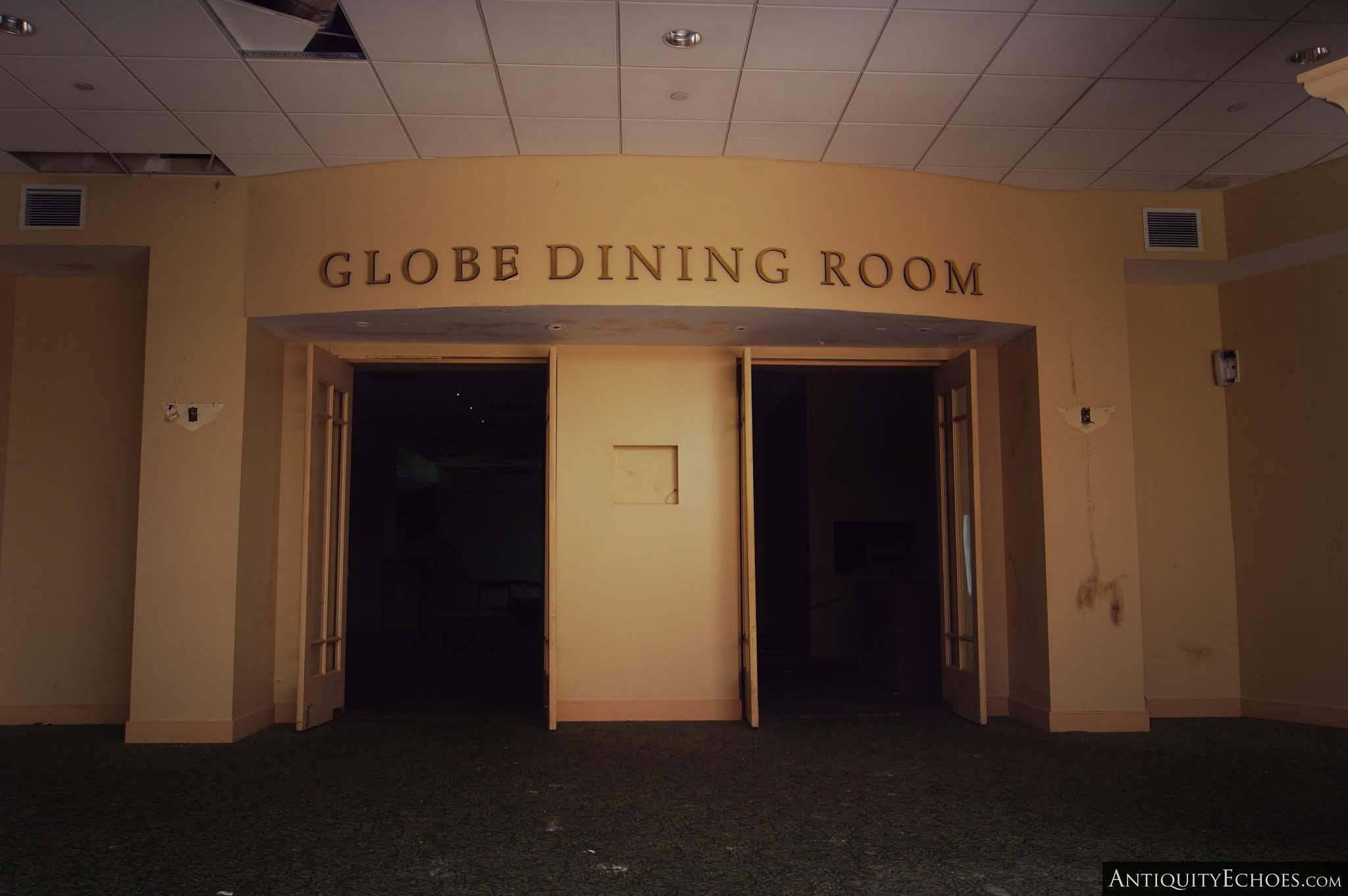 Nevele Grande - Entrance to the Globe Dining Room