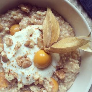 porridge millet physalis banane noix