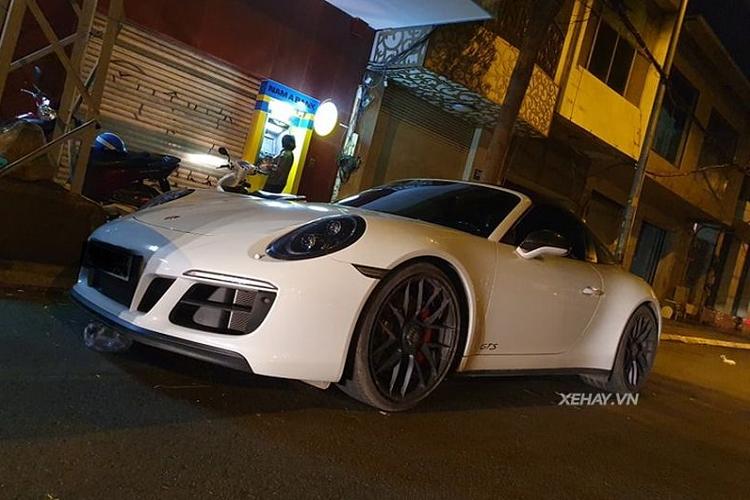 Cận cảnh Porsche 911 Targa 4 GTS hơn 11 tỷ ở Sài Gòn
