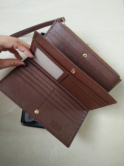 sembonia wallet wristlet