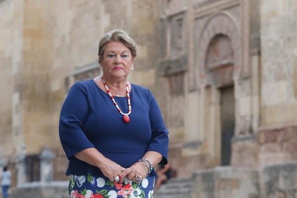 Olga Caballero, primera mujer en presidir la Agrupación de Hermandades y Cofradías de Córdoba