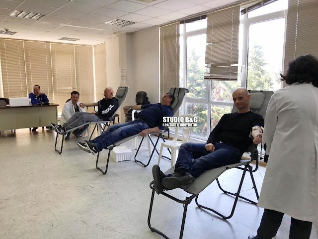 Αστυνομικοί της Αργολίδας έδωσαν εθελοντικά αίμα