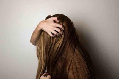 الطين وزيت جوز الهند لتنشيط الشعر