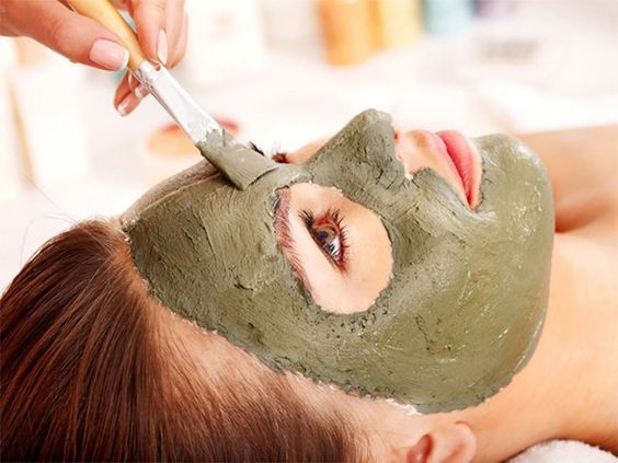 Essential Oils & Alternative To The Clay Mask