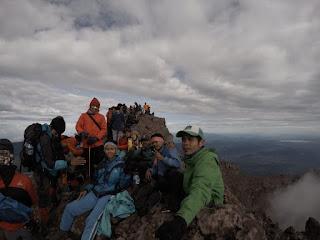 Puncak Gunung Kerinci Atap Sumatera