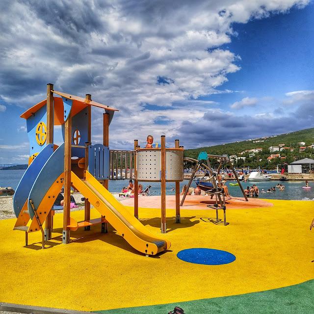plac zabaw w Chorwacji, zabawy dla malucha