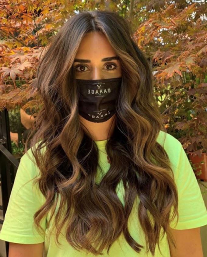 Maske kullanırken saçlarınızla ön planda olun