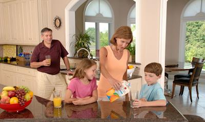 mulai hidup sehat dari keluarga, ajarkan hidup sehat dari anak anak agar kebiasaan baik akan selalu dilakukan oleh anak kita
