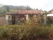 Descaso: prédio público é esquecido em São Raimundo dos Crentes