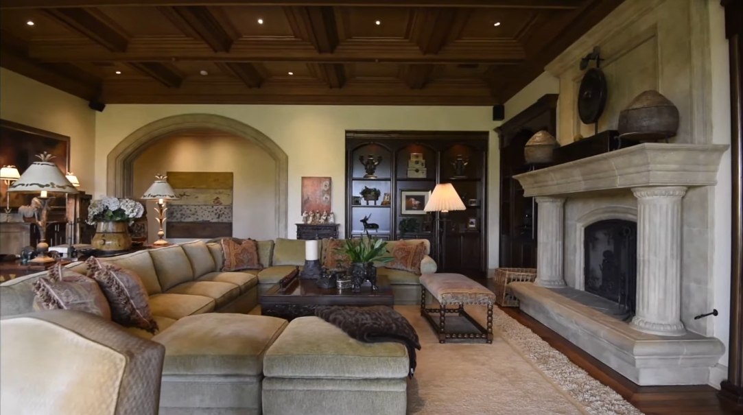 26 Interior Design Photos vs. 4724 El Aspecto, Rancho Santa Fe, CA Luxury Mansion Tour