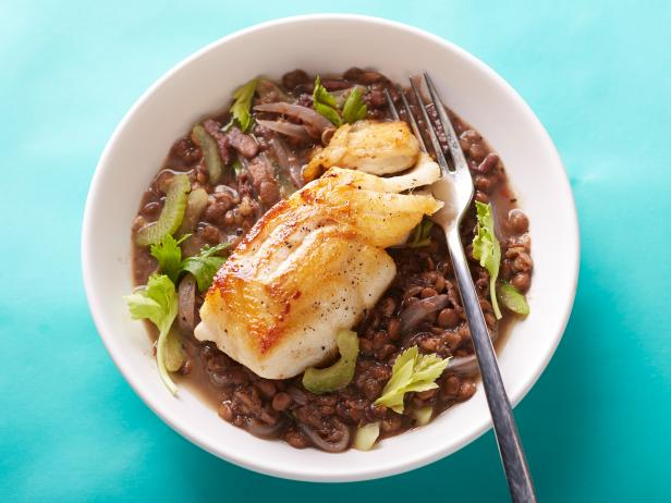 25-Minute Cod with Lentils