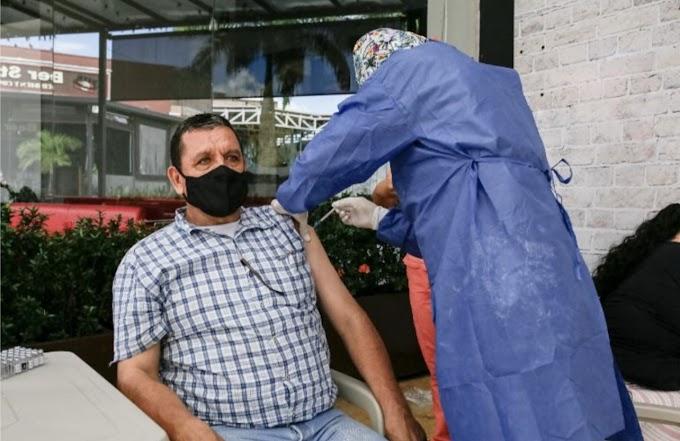 Taxistas podrán vacunarse hoy contra el Covid en el parque Las Malocas de Villavicencio