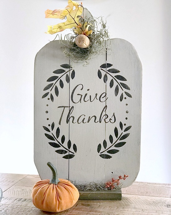 DIY White pumpkin pallet with wreath and give thanks stencil
