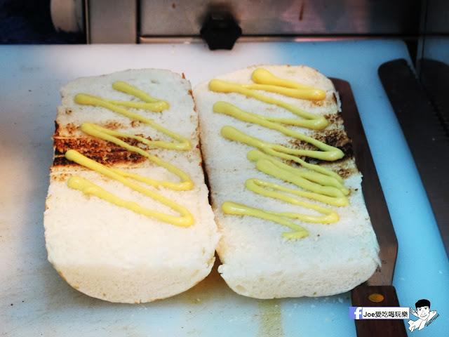 IMG 4887 - 【熱血採訪】NickJu 尼克啾 碳烤法式三明治 位於中國醫附近的尼克啾 NickJu 主打法式三明治,把餐廳所用的食材搬到街頭,讓客人用平價價格吃到高檔美味