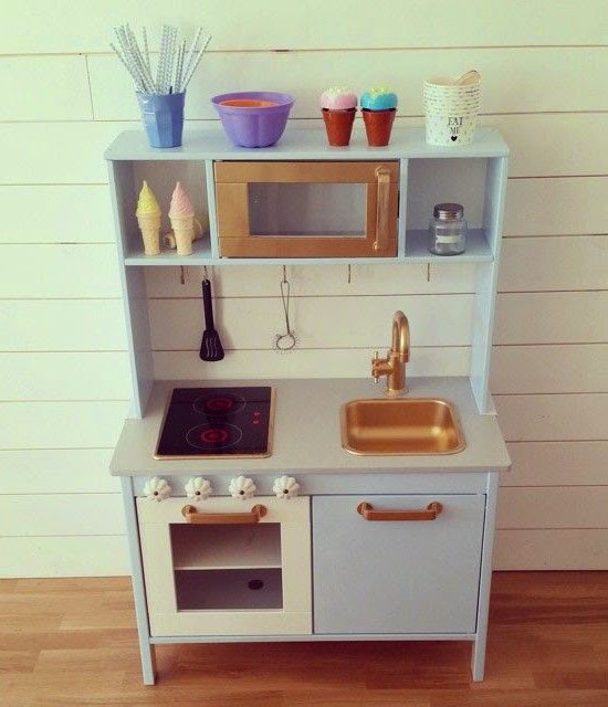Mommo design ikea play kitchen makeovers - Ikea mobiliario infantil ...