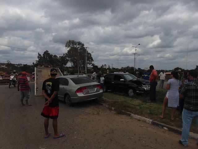 Colisão entre Veículos Próximo a entrada de Morro do Chapéu
