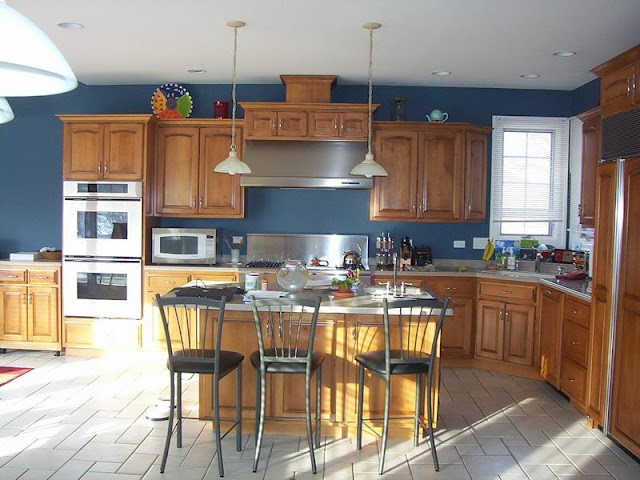 Make your Kitchen Spacious with Small Kitchen Tables Make your Kitchen Spacious with Small Kitchen Tables 4