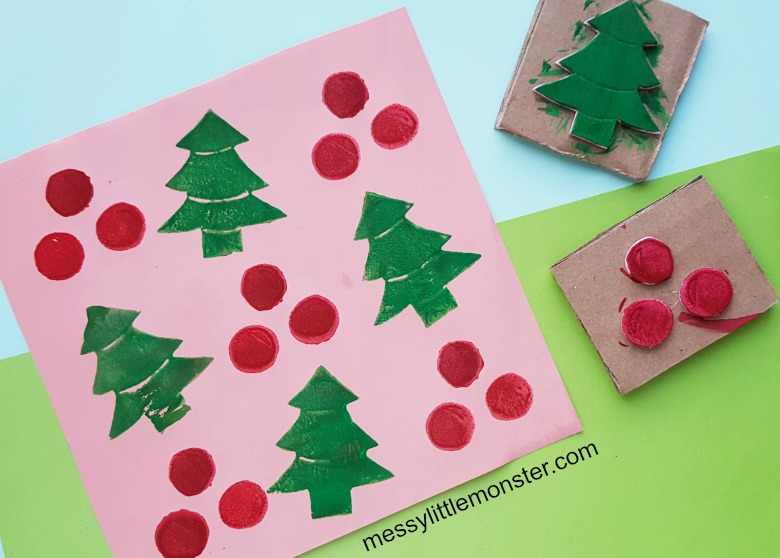 make your own stamp wrapping paper - Christmas craft for kids