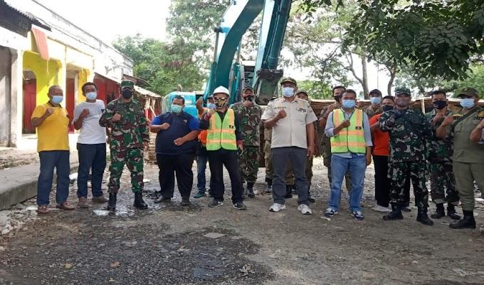 Intruksi Walikota, Petugas Gabungan Bongkar Bangunan Eks Terminal Kepandean
