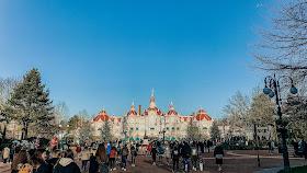 how to see disneyland paris in one day- Disneyland hotel