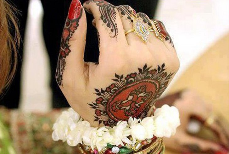 Eid Mehndi Designs for Pakistani Girls
