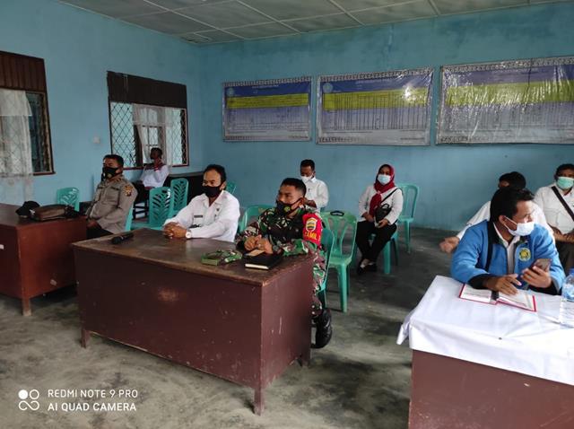 Bersama Muspika Kecamatan Panombeian Panei Personel Jajaran Kodim 0207/Simalungun Hadiri Zoom Meeting